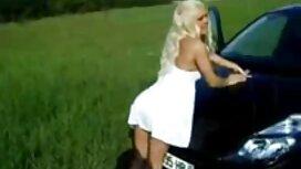 همسر بالغ در حال مکیدن دیک در تصاویرسکسی کیرتوکس مقابل دوربین