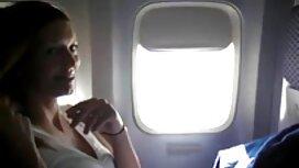 سیاه و کیرتوکس عکس سفید پرشور پرشور آویز به زانو در می افتد و شروع به کار دهان خود روی عضو سفید می کند. او لب های چاق خود را محکم فشرد و به او لذت بخش ترین شخص را داد